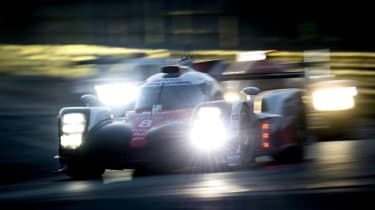 Le Mans 2017 - Toyota dusk