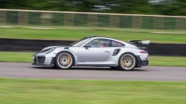Porsche 911 GT2 RS - 991.2 driving