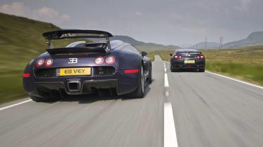 Nissan GT-R v Bugatti Veyron