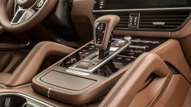 Porsche Cayenne E-Hybrid – gear lever