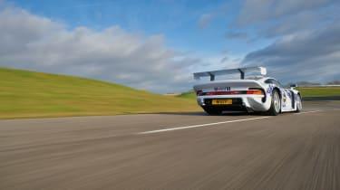 Porsche 911 GT1 - rear