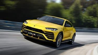 Lamborghini Urus – dynamic shot – front quarter