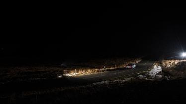 Audi R8 LMX night drive - scape