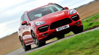 2013 Porsche Cayenne Turbo red front