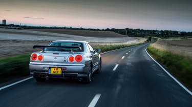 Nissan Skyline GT-R R34 - rear