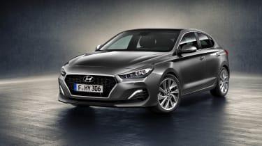Hyundai i30 Fastback - front3.4