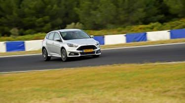 evo 2018 tyre test - turning