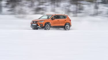 SEAT Ateca snow side profile
