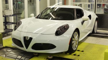 Alfa Romeo 4C: tech rundown and video white