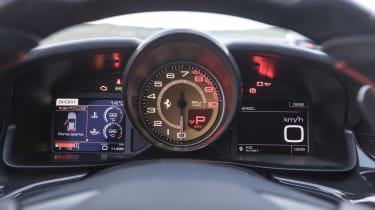 Ferrari GTC4 Lusso T - dial pack