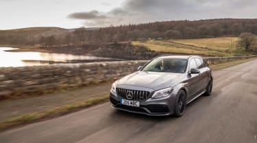 Mercedes-AMG C63 S Estate 2021 – front tracking