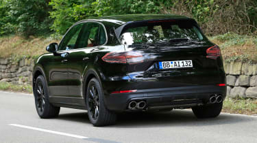 Porsche Cayenne spy shot rear 4
