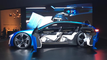 Peugeot Instinct Concept Geneva side profile