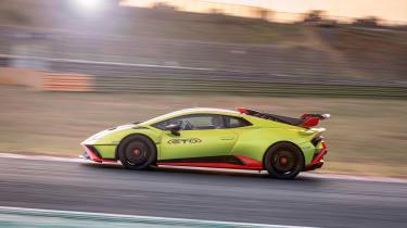 Lamborghini Huracan STO (International) – pan
