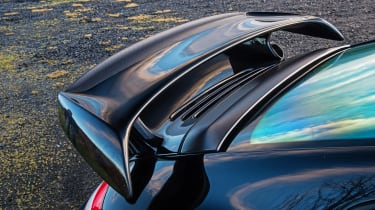 Porsche 911 GT2 RS & Mercedes-Benz SLS AMG Black Series - carbon wing