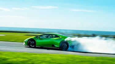 Lamborghini Huracán Evo RWD – sideways