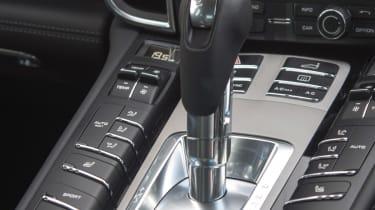 Porsche Panamera S E-Hybrid tiptronic gear stick