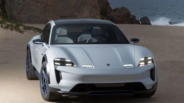 Porsche Mission E Cross Turismo - nose
