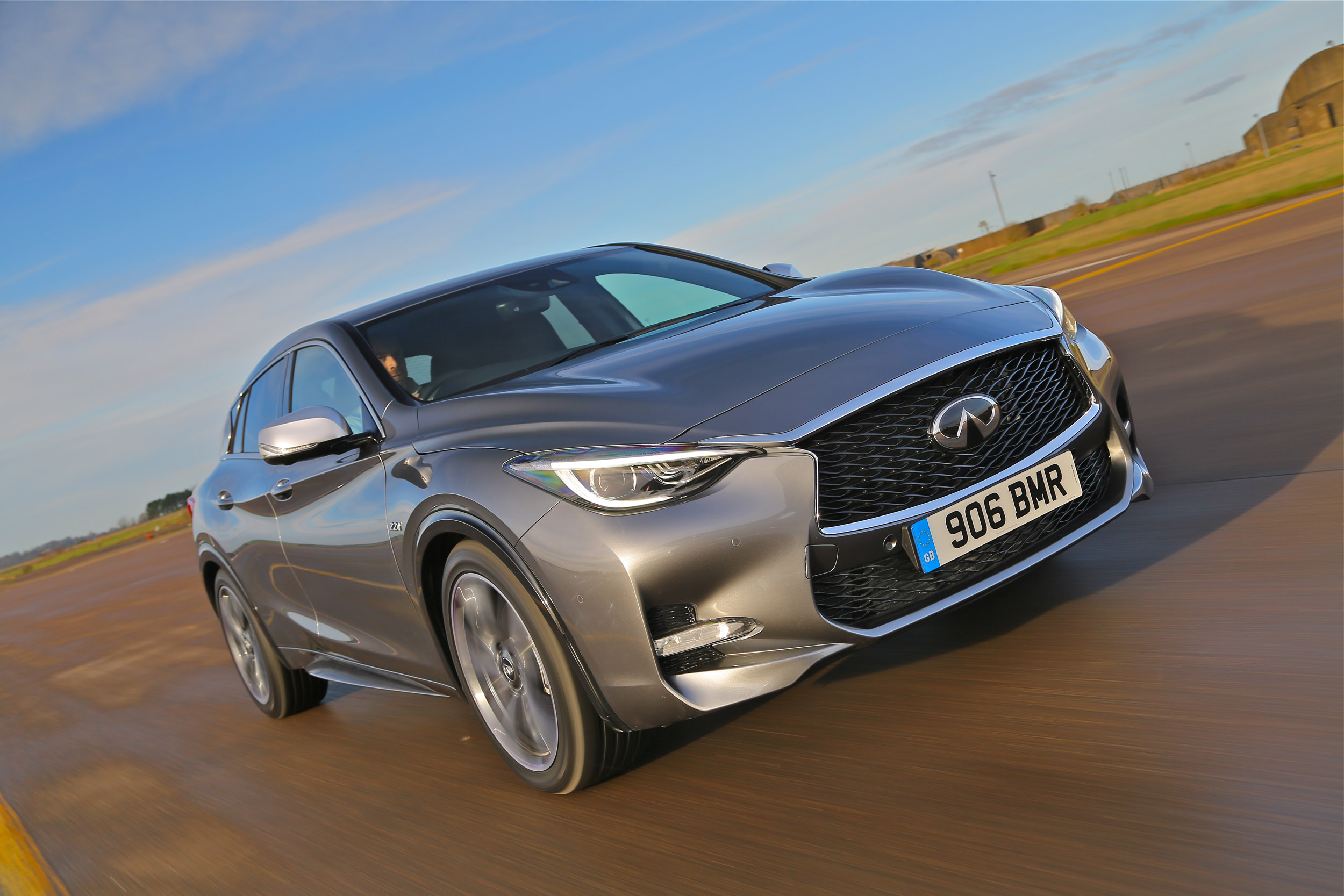 Infiniti Q30 review - Japanese premium compact takes on