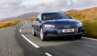 Audi A5 coupe blue - front dynamic