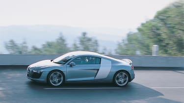Audi R8 - side tracking