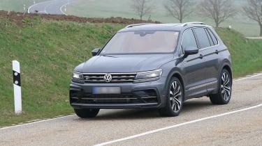 Volkswagen Tiguan R spy - front quarter