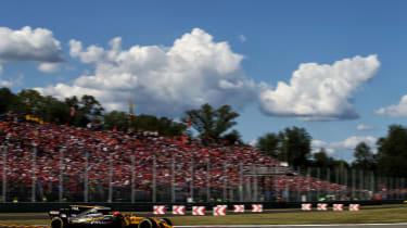 Formula One Round 13 - RB