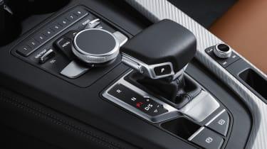 Audi A5 coupe silver - studio dash