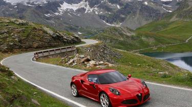 Alfa Romeo 4C alpine pass