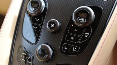 Aston Martin V12 Vanquish centre console