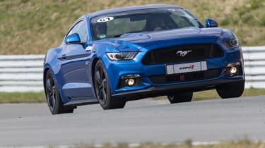 Ford Mustang GT V8 front cornering