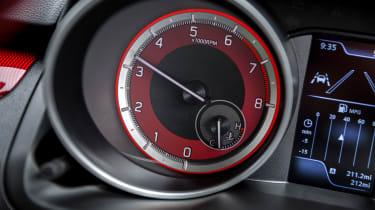 Suzuki Swift Sport - rev counter
