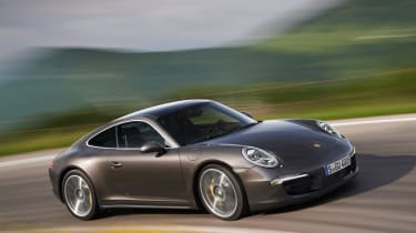 Porsche 911 Carrera 4 unveiled