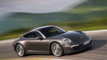 Porsche 911 Carrera 4 unveiled
