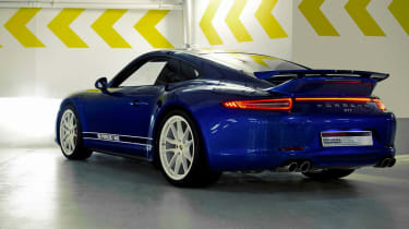 Porsche 911 5M Fans Facebook edition blue rear spoiler