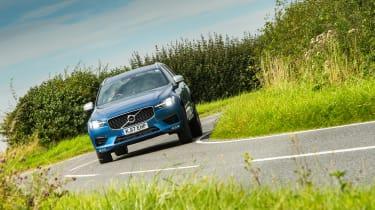 Volvo XC60 - front cornering