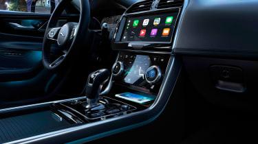 Jaguar XE facelift - console