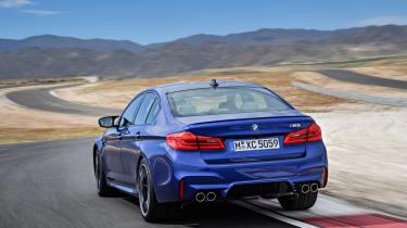 BMW M5 F90 - Blue rear dynamic