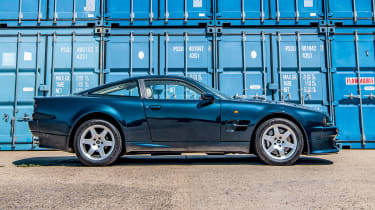 Aston Martin Vantage V550 - profile