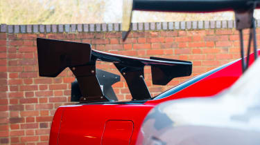 Nissan GT-R collector - R34 wing