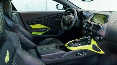 Aston Martin Vantage - black interior