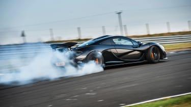 McLaren P1 v 918 Wales - track