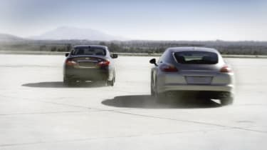 Video: Infiniti M35h 'world's fastest hybrid'