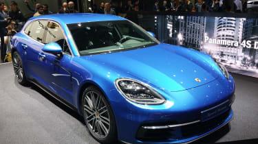 Porsche Panamera Sport Turismo - Geneva front three quarter