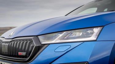 Skoda Octavia vRS iV review - headlight