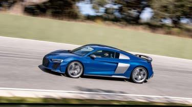 Audi R8 facelift review - profile