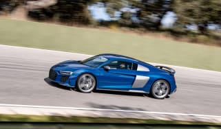 Audi R8 facelift review - profile