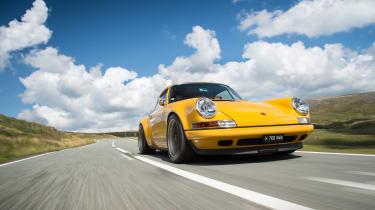 Singer Porsche front