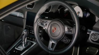 Porsche 718 Cayman S – Interior