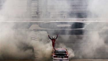 Daytona 500 2017 - Mustang burnout